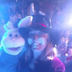 un selfie avec carotte à toreille en spectacle